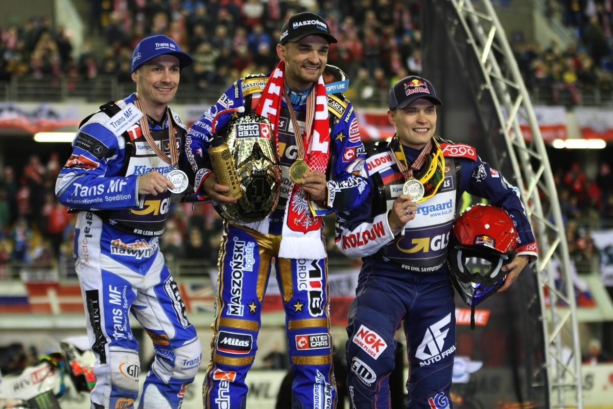 5-10-2019_ FIM Revline Grand Prix Polski na żużlu - Toruń - podium Grand Prix 2019 - Bartosz Zmarzlik, Leon Madsen, Emil Sajfutdinow - SF