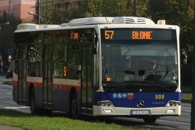 Autobus - linia 57, kierunek Błonie - SF
