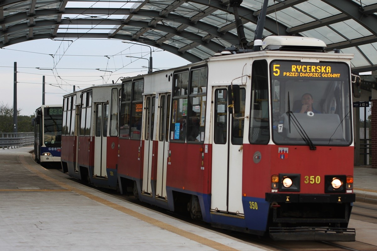 Tramwaj - linia 5, kierunek Rycerska - SF