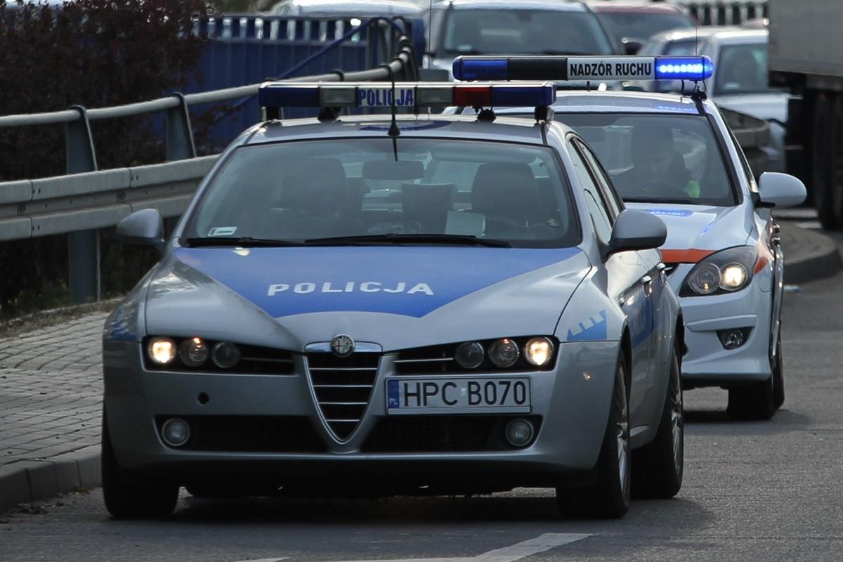 policja - na sygnale, auto nadzoru ruchu MZK - SF
