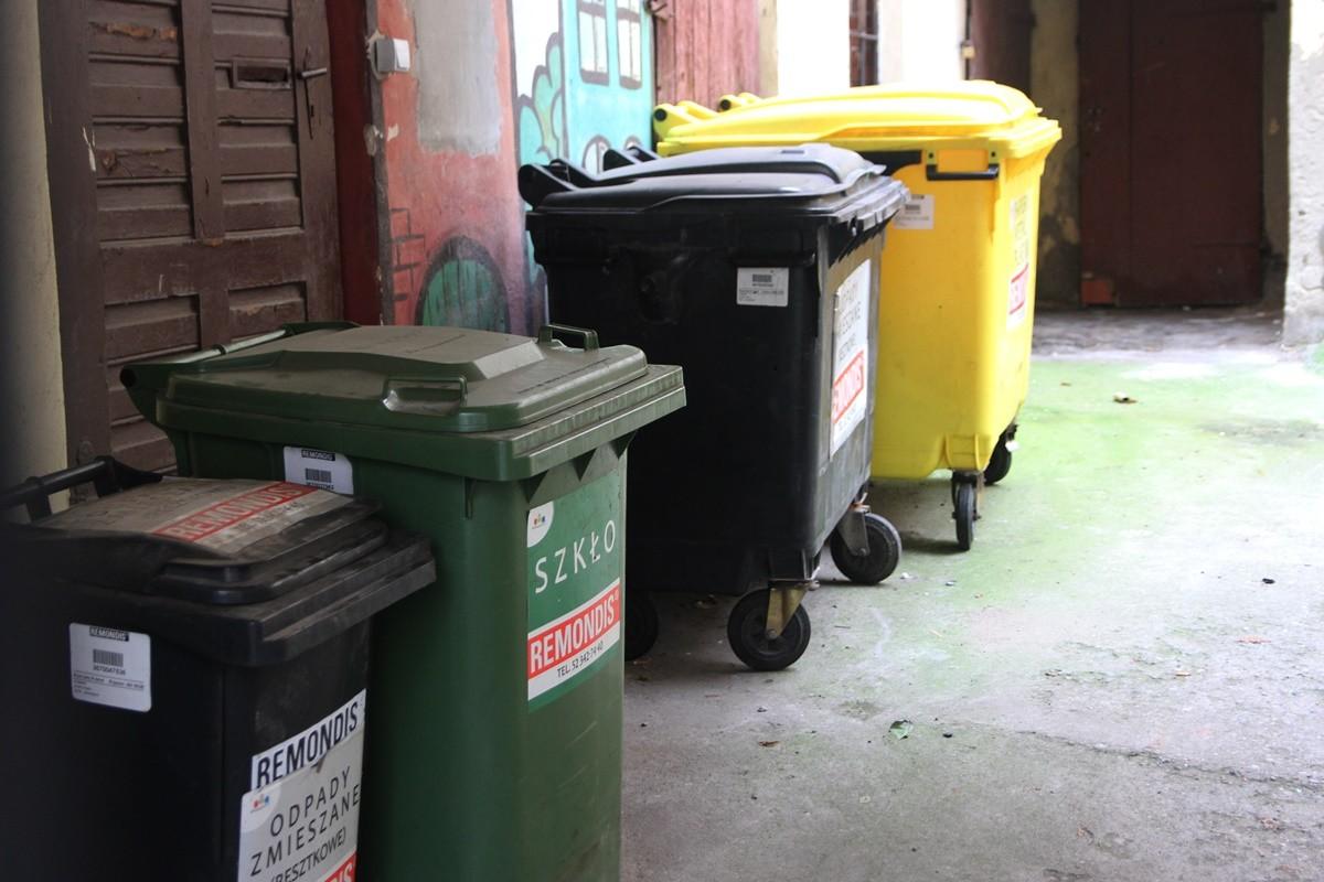 śmieci_ kontenery_ segregacja_ bydgoszcz - SF
