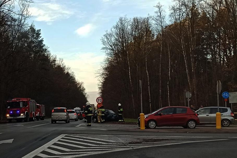 28-11-2019_ wypadek DK25 Tryszczyn_ nadesłane