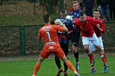 9-11-2019_ piłka nożna, IV liga kujawsko-pomorska_ Legia Chełmża - Zawisza Bydgoszcz_ Łukasz Gełda-1