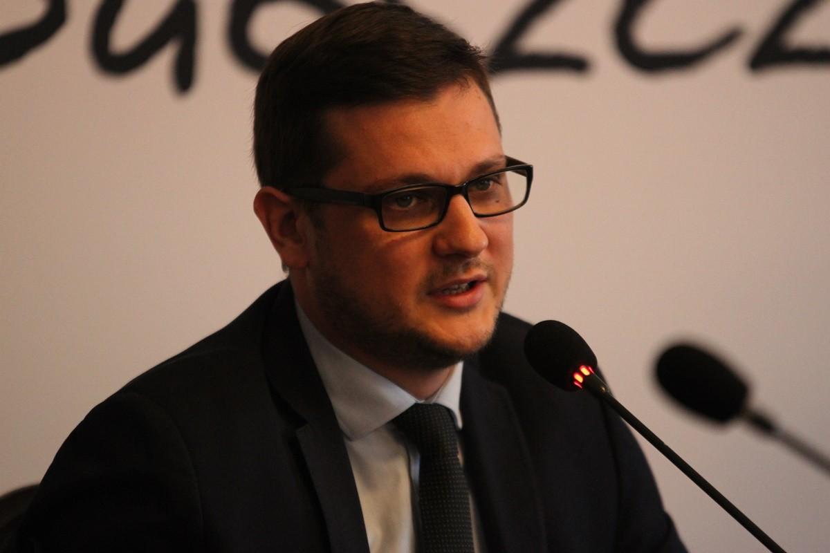 Michał Sztybel - SF