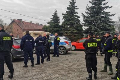 policja, straż pożarna - na sygnale_ akcja poszukiwawcza - KPP Brodnica