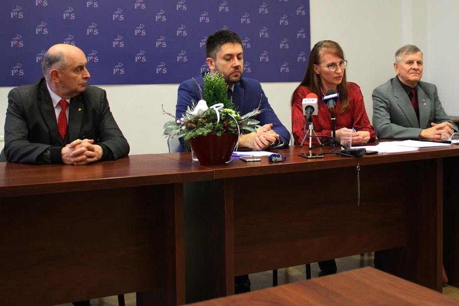 17-12-2019_konferencja PiS_ Jan Gaul, Jarosław Wenderlich, Grażyna Szabelska, Andrzej Młyński - SF