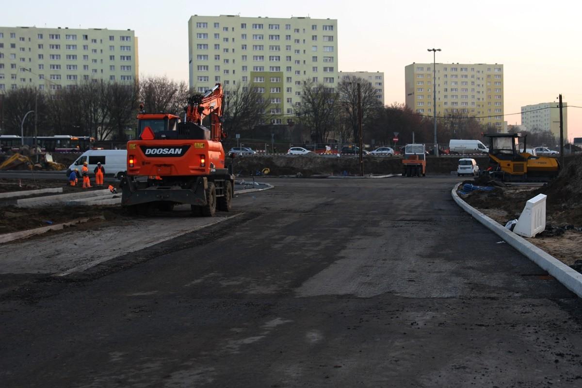 5-12-2019_ budowa linii tramwajowej_ rondo Kujawskie Bydgoszcz - SF (18)