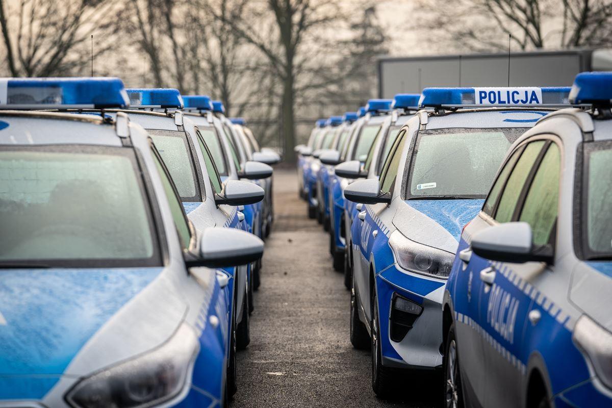 policja kwp bydgoszcz nowe radiowozy samochody  (3)