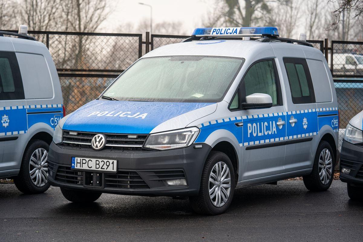 policja kwp bydgoszcz nowe radiowozy samochody  (6)