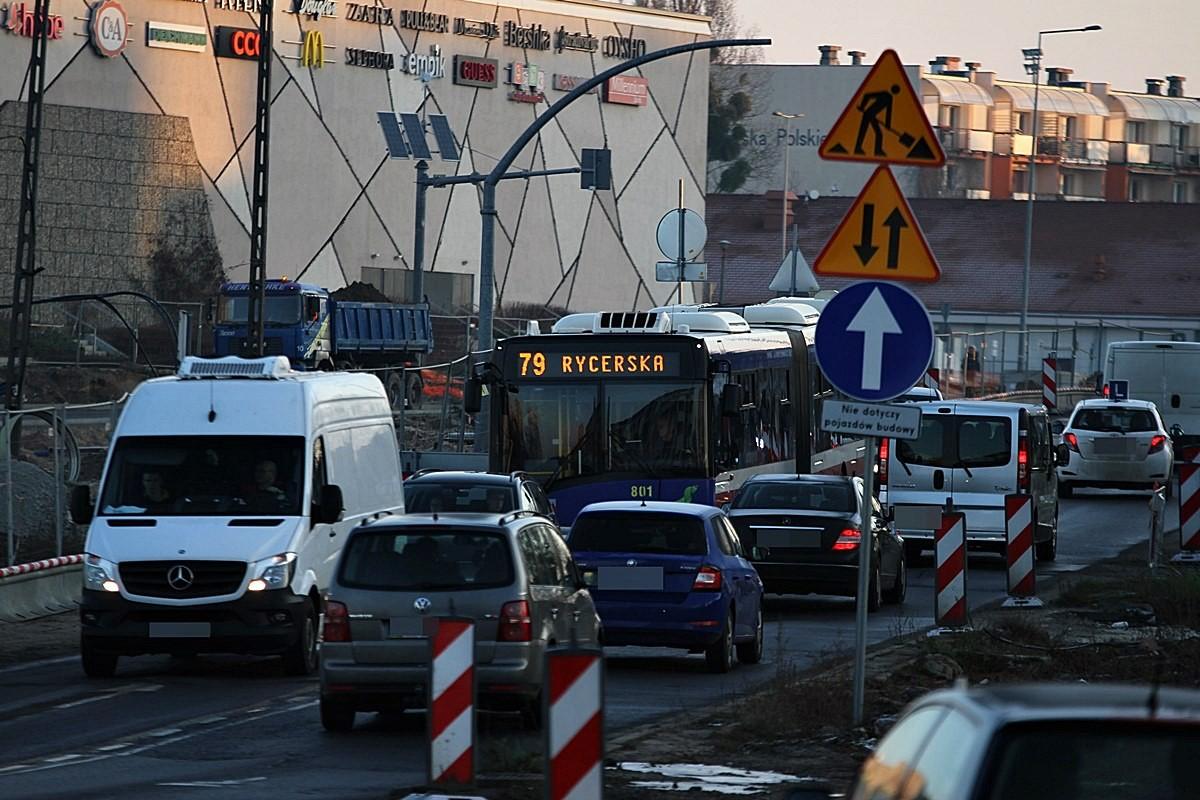 rondo-Kujawskie_traffic_korek_ruch-drogowy-SF1