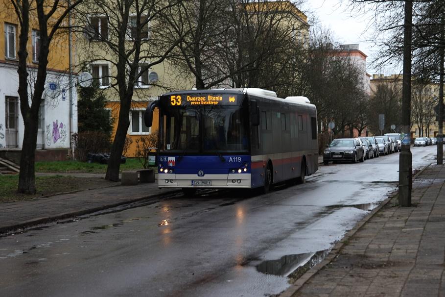ulica Ignacego Łukasiewicza_ autobus, linia 53 - kierunek Błonie - SF