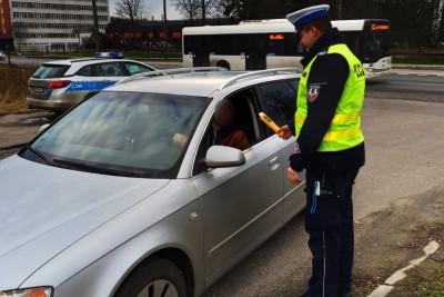 policja-kontrola-badanie-alkomat-KMP Toruń