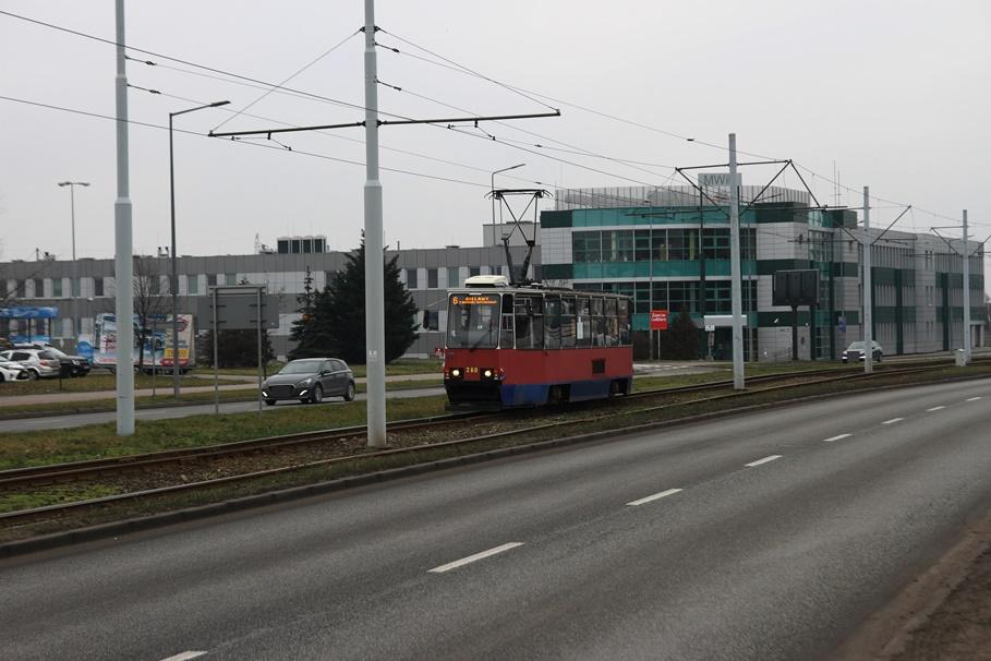 tramwaj_linia 6, kierunek Bielawy_ rondo Toruńskie - SF