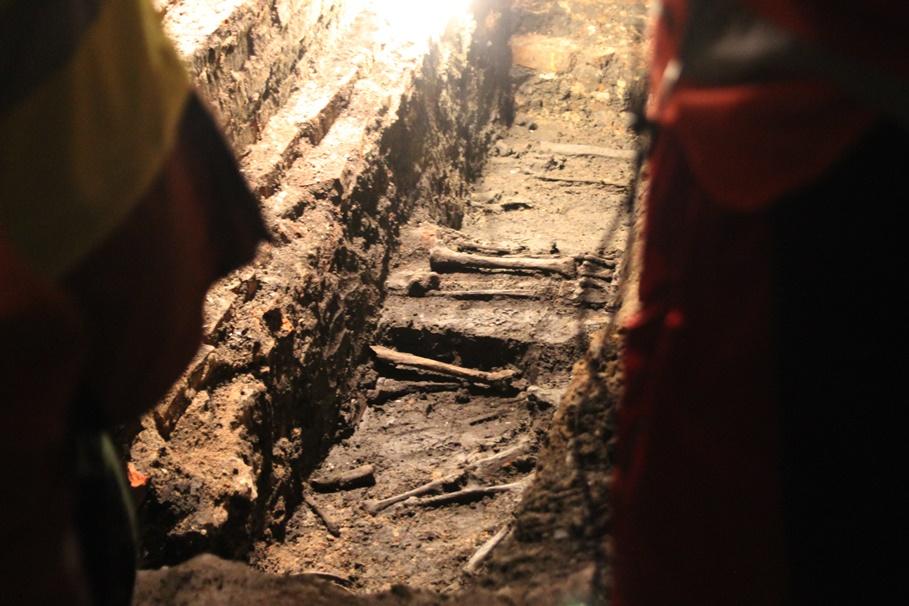 14-02-2020_ Zbożowy Rynek_ kamienica, odkrycia archeologiczne - SF (11)