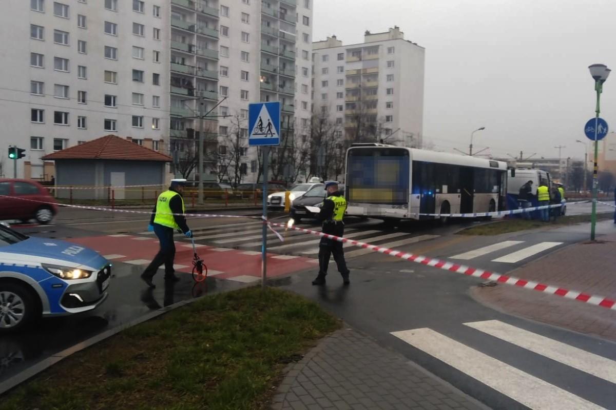 25-02-2020_ potrącenie pieszej, Ślaskiego Toruń - KMP Toruń (1)