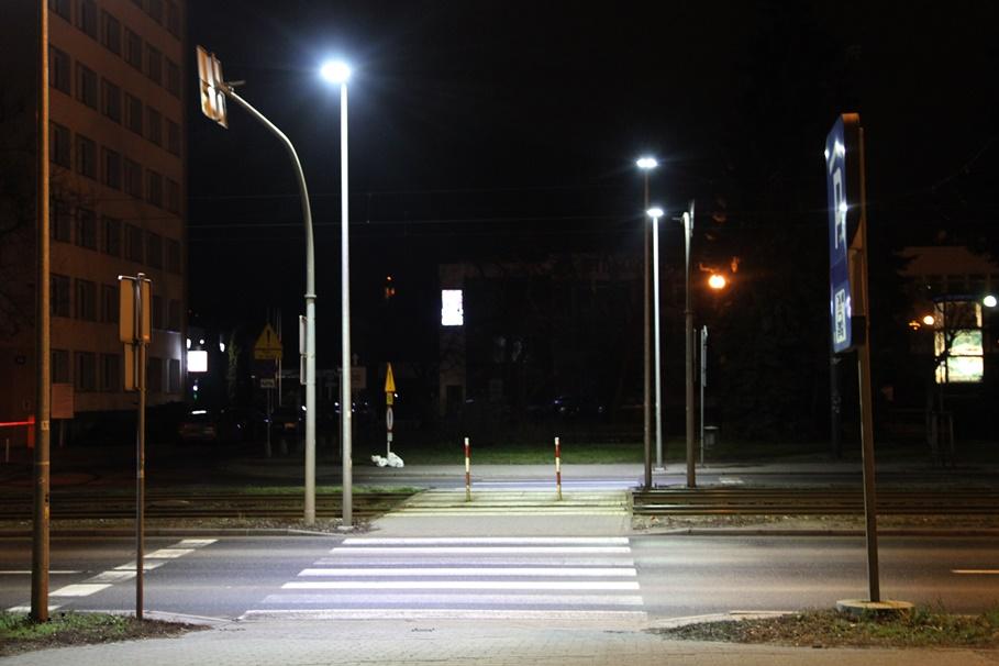 Jagiellońska - doświetlone przejście dla pieszych - SF (2)