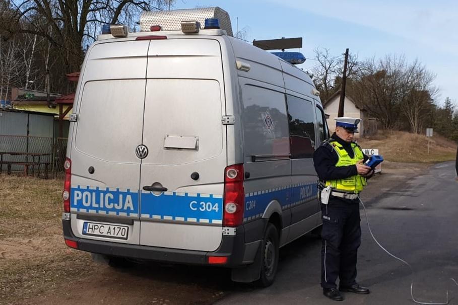 policja_ kontrola drogowa_ na sygnale_ KMP Toruń