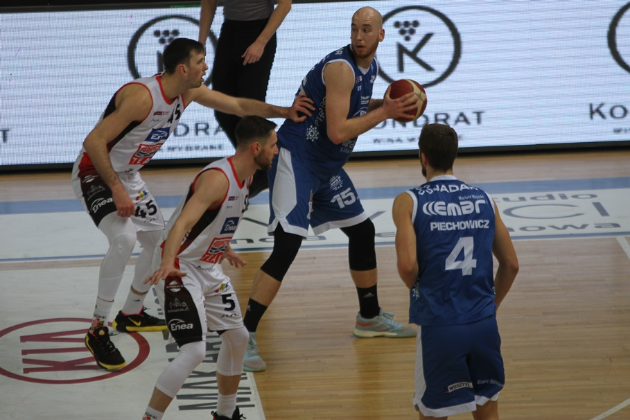 1-03-2020_ koszykówka, Energa Basket Liga_ Enea Astoria Bydgoszcz - HydroTruck Radom_ Łukasz Frąckiewicz, Adrian Bogucki - SF
