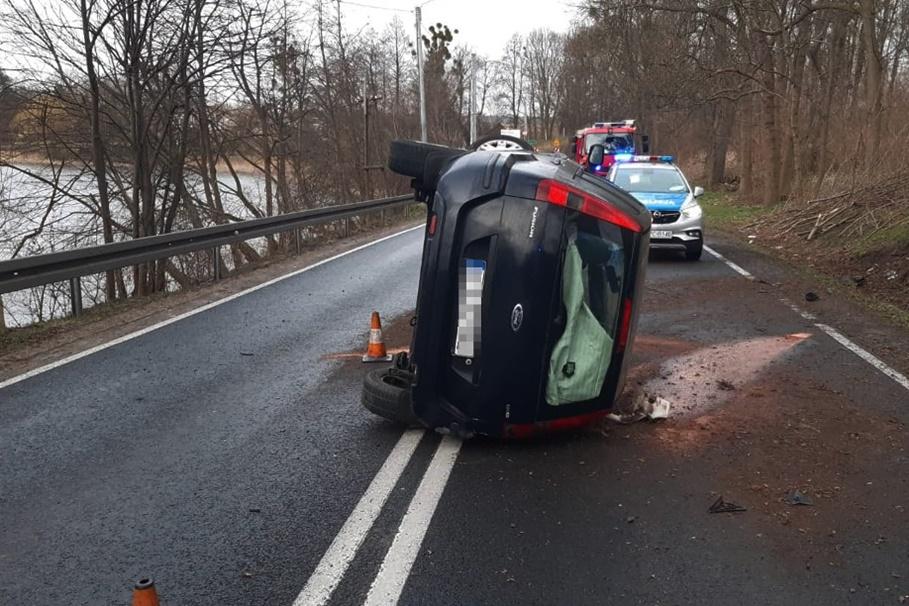 29-03-2020_ wypadek, Niewierz, powiat brodnicki_ KPP Brodnica (1)