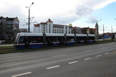 Garbary_ tramwaj - linia 3, kierunek Wilczak - SF