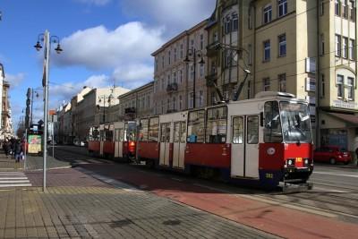 Gdańska-Cieszkowskiego_ tramwaj, linia 6_ kierunek Łęgnowo_ trakcja tramwajowa_lampy uliczne - SF