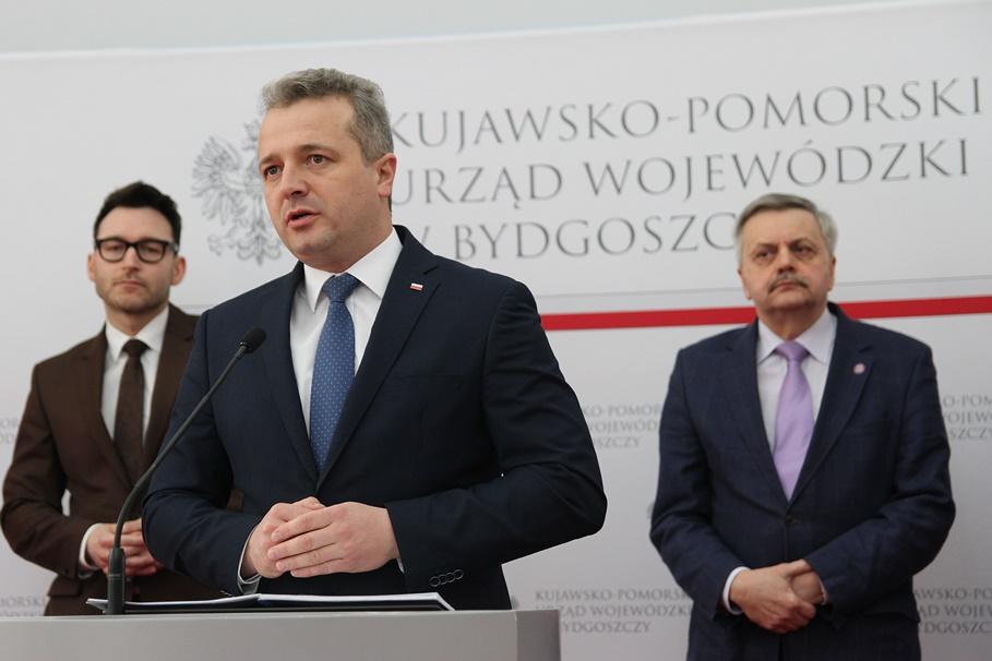dr Paweł Rajewski, Mikołaj Bogdanowicz, Jerzy Kasprzak - SF