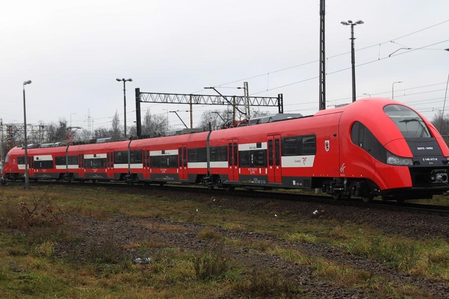 pociąg PolRegio_ Kujawsko-Pomorskie_ Bydgoszcz - SF