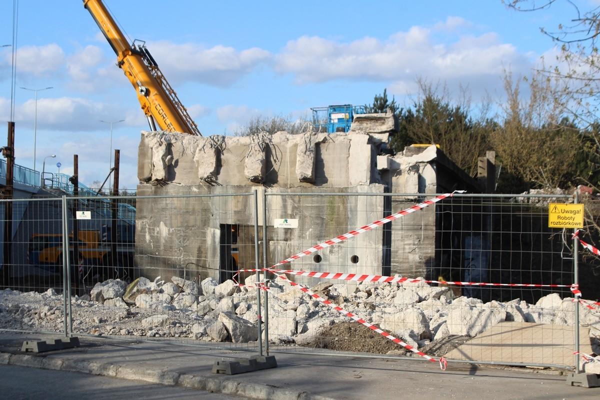 14-04-2020_ Armii Krajowej Bydgoszcz_ wyburzanie wiaduktu kolejowego - JS (2)