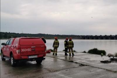 10-05-2020_ straż pożarna Włocławek, zapora ul. Popiełuszki - utonięcie - Archiwum