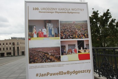 18-05-2020_ wystawa, most Staromiejski Bydgoszcz - Jan Paweł II - Bydgoszcz - SF (16)