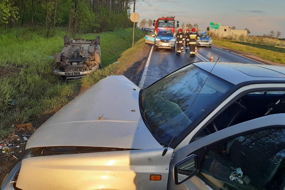2-05-2020_ wypadek DK15 Szabda - KPP Brodnica-1