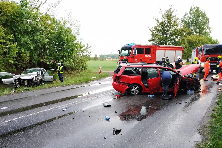 24-05-2020_ wypadek DW254 Obórznia - KPP Żnin-1