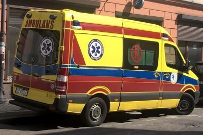 Ambulans - karetka - pogotowie ratunkowe - na sygnale - SF-1