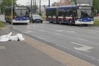 Autobus - linia 61, kierunek Kapuściska_ kierunek Rekinowa  - SF