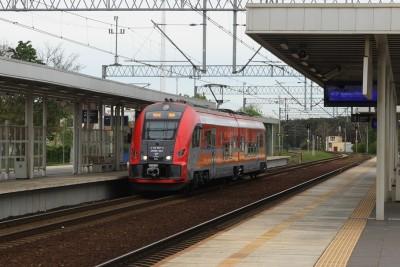 Dworzec PKP Solec Kujawski - pociąg POLREGIO_ Toruń Główny - SF