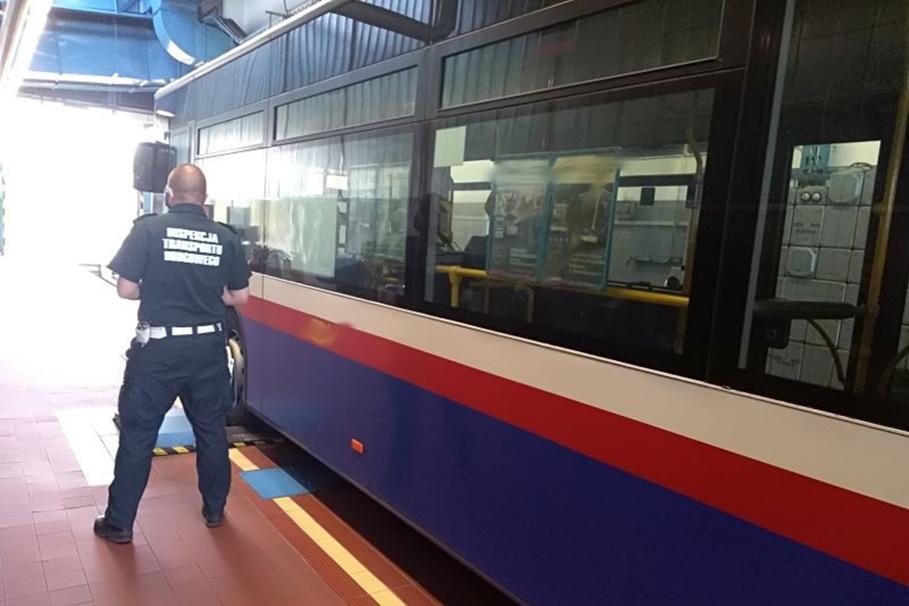 WITD Bydgoszcz_ kontrola pojazdów_ autobusy komunikacji miejskiej-2_