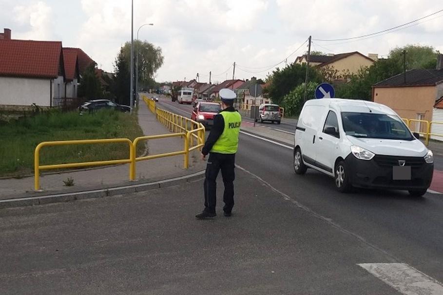 policja_na sygnale_Kaskadowy Pomiar Prędkości - KMP Włocławek