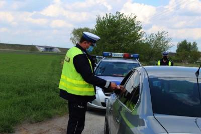 policja_na sygnale_Kaskadowy Pomiar Prędkości - KPP Inowrocław-3
