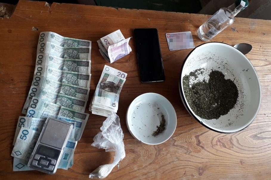 zabezpieczone narkotyki_pieniądze_Szwederowo - KWP Bydgoszcz