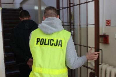 zatrzymanie_policja_torun_mieszkanie_bydgoszcz_KMPTorun