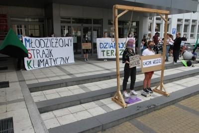 18-06-2020_ Młodzieżowy Strajk Klimatyczny Bydgoszcz_ Pikieta_ Kujawsko-Pomorskie Kuratorium Oświaty - SF (6)