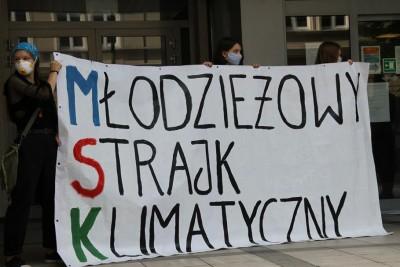 18-06-2020_ Młodzieżowy Strajk Klimatyczny Bydgoszcz_ Pikieta_ Kujawsko-Pomorskie Kuratorium Oświaty - SF (8)