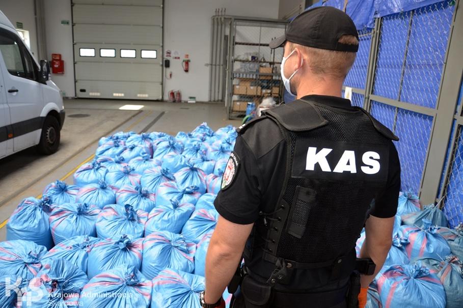 przechwycenie_nielegalny tytoń_KAS Kujawsko-Pomorskie