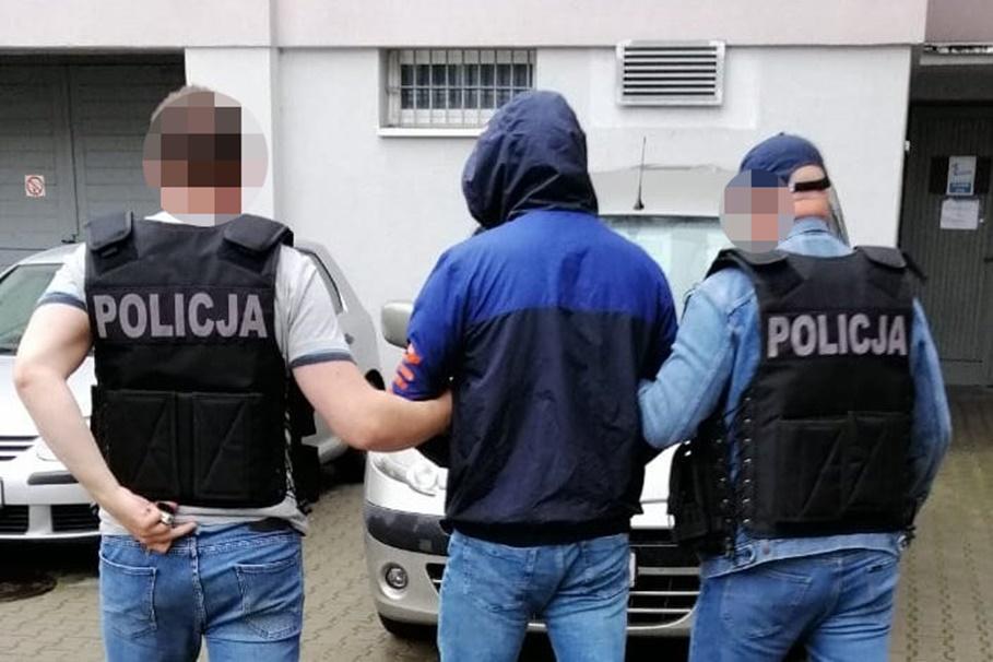 3-07-2020_ policja, rozbicie grupy przestępczej, kradzieże samochodów - KWP Bydgoszcz