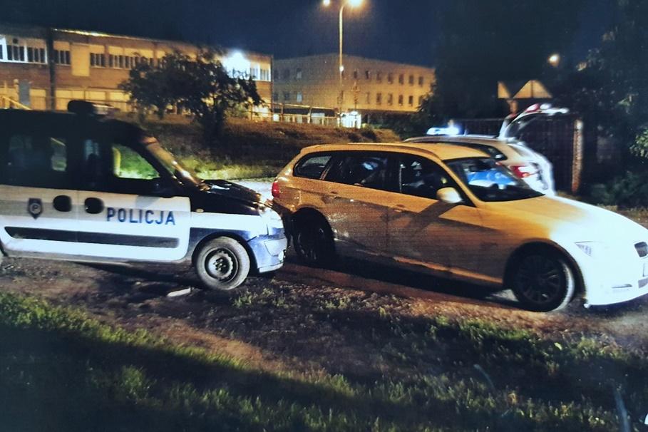 3-4-07-2020_ policyjny pościg, auto bmw - KMP Włocławek-1