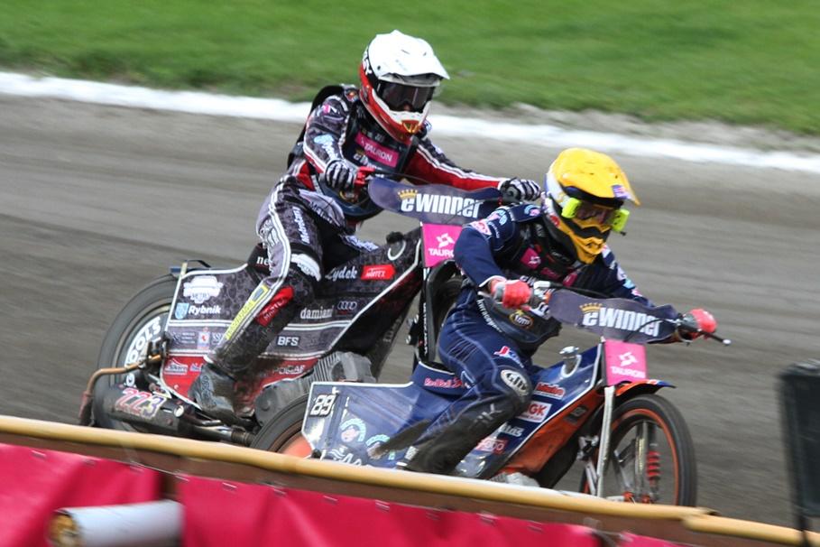 8-07-2020_ żużel, Tauron Speedway Euro Championships - Bydgoszcz - bieg 2 - Kacper Woryna (b), Emil Sajfutdinow (ż) - SF