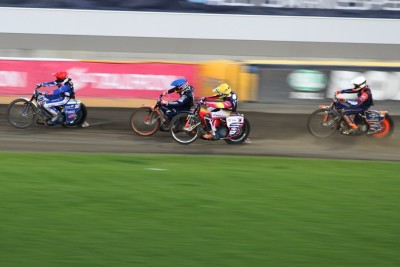 8-07-2020_ żużel, Tauron Speedway Euro Championships - Bydgoszcz - bieg 22, finał - Leon Madsen (cz), Emil Sajfutdinow (n), Mikkel Michelsen (b), Grigorij Łaguta (ż) - SF
