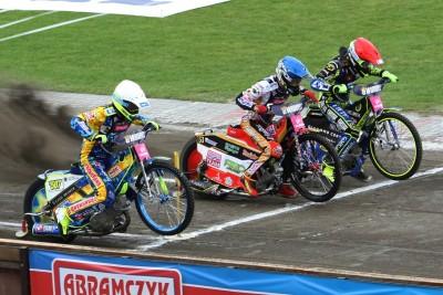 8-07-2020_ żużel, Tauron Speedway Euro Championships - Bydgoszcz - bieg 4 - Bartosz Smektała (cz), David Bellego (n), Krzysztof Kasprzak (b) - SF