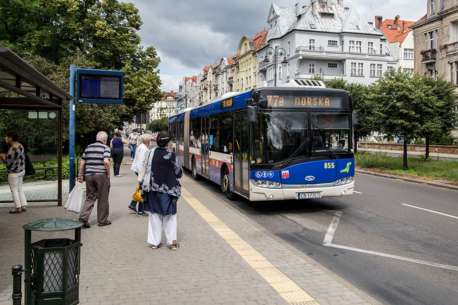 Autobus_linia 77_aleje adama mickiewicza_SM (2)