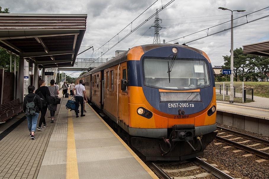 Dworzec Kolejowy Bydgoszcz-Błonie_ pociąg, kierunek Poznań - SM (1)